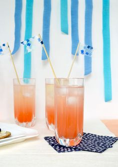 Summer is the perfect time for cocktails, lemonade, and cold beverages. Instead of using run of the mill cocktail stirrers, why not whip up these colourful ones instead? Cold Drinks, Beverages, Pint Glass, Lemonade, Creations, Cocktails, Tableware, Diy, Kid Crafts