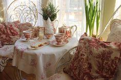 Aiken House & Gardens: A Sheepish Tea