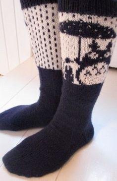 Totoro, Diy And Crafts, Socks, Knitting, Fashion, Breien, Moda, Tricot, Fashion Styles