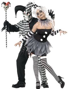 sinister Pierrot (and evil jester) Jester Halloween, Jester Costume, Halloween Circus, Creepy Halloween Costumes, Circus Costume, Couple Halloween, Cool Costumes, Adult Costumes, Halloween Makeup