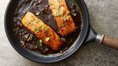 Whether you're a pro at turning out beautiful salmon dinners, or this is your first try, this gorgeous pan-seared salmon drizzled with tangy honey-balsamic sauce is guaranteed to earn you major bragging rights. Easy Dinner For 2, Easy Dinners For Two, Meals For Two, Easy Dinner Recipes, Dinner Ideas, Easy Meals, Cheap Dinners, Supper Ideas, Healthy Dinners