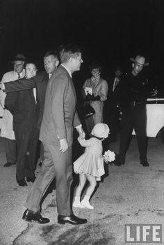 1960. Jack and Caroline. By Lynn Pelham. John F. Kennedy arriving with his daughter Caroline Kennedy, Florida