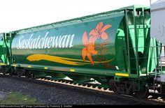SKPX 625461 covered hopper, Saskatchewan Grain Car.