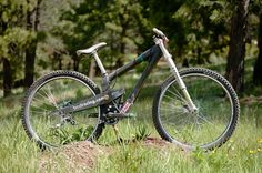 BCD's Carbon 29er DH Bike from 2007 - BCD's Carbon 29er Downhill Bike from 2007 - Mountain Biking Pictures - Vital MTB