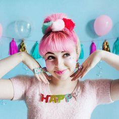 KEEPIN IT HAPPY  #partykei #confetticlub #pixielocks #harajukufashion