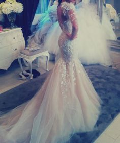 The mermaid/trumpet dress.