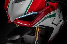 Images: 2018 ducati panigale - in the details media gallery. featuring 50 images: 2018 ducati panigale - in the details high-resolution (. Moto Ducati, Ducati Motorbike, New Ducati, Ducati 1299 Panigale, Ducati Superbike, Ducati Hypermotard, Motogp, Ducati 1200s, Motorcycle News