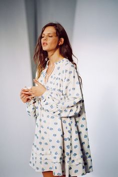 Shop UO Jai Embroidered Long Sleeve Frock Dress at Urban Outfitters today. We carry all the latest styles, colors and brands for you to choose from right here. Frock Dress, Midi Shirt Dress, Midi Dress With Sleeves, Tent Dress, Dressy Outfits, Fashion Outfits, Frock Fashion, Woman Fashion, Fashion Ideas