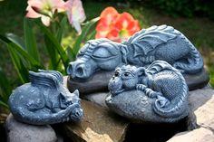 Dragon Garden Statue BIG Sleeping Daphne Is So di PhenomeGNOME