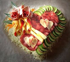 This Valentines Day try these heart shaped party food, desserts, & other heart shaped food ideas. Food Platters, Cheese Platters, Meat Trays, Food Buffet, Buffet Ideas, Deli Tray, Meat And Cheese Tray, Cheese Art, Veggie Tray