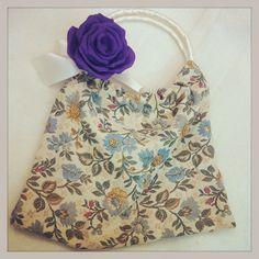 Le rose di stoffa di Anna Borrelli - Detto fatto 10/12/14 Personalizzare una borsa romantica
