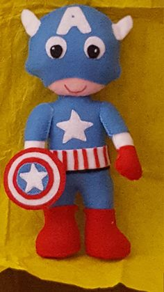 Capitan america pupazzo supereroi in pannolenci