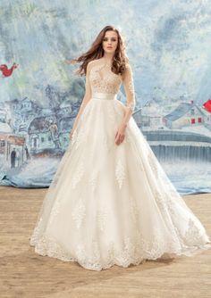 Princess Round Neckline 3/4 Length Sleeves Tulle Chapel Train Wedding Dresses