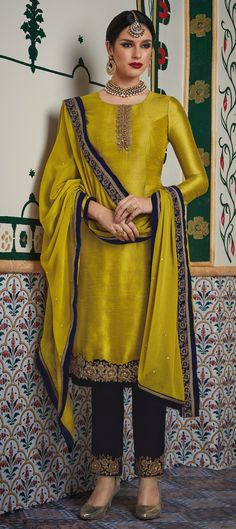 903049 Yellow color family Party Wear Salwar Kameez in Velvet fabric with Machine Embroidery,Thread work .