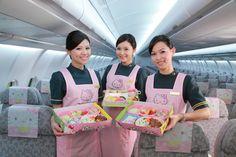 Hello Kitty Airplane lunch box & cabin attendant by Taiwan Everair キティが機体や機内にも:アメリカに9月就航する「キティちゃんの飛行機」