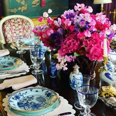 Top Interior Designers: Alex Papachristidis Top Interior Designers, A Table, Tablescapes, Table Settings, Entertaining, Table Decorations, Antiques, Tabletop, Inspiration