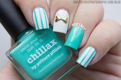 Very Emily » Pinstripe Bow Nails