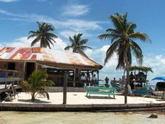 Lazy Lizard Bar, Caye Caulker, Belize