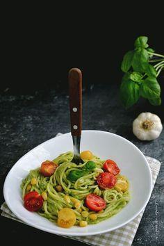 gata in 30 de minute Baby Food Recipes, Pasta Recipes, Cooking Recipes, Healthy Recipes, Healthy Foods, Raw Vegan, Vegan Vegetarian, Avocado, Spaghetti