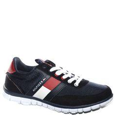 #Sneaker allacciata in tessuto e camoscio blu scuro.