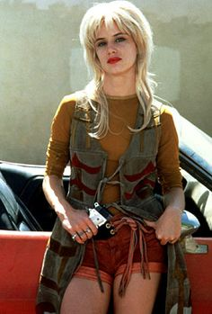Juliette Lewis, Natural Born Killers | MALLORY KNOX Juliette Lewis Natural Born Killers (1994) Here's a girl who will kill you just as soon ...
