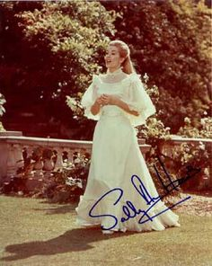 """Sally Anne Howes as Truly Scrumptious in """"Chitty Chitty Bang Bang"""" (1968). One of my favorite dresses!"""