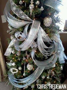 Wavy Christmas Tree Ribbon
