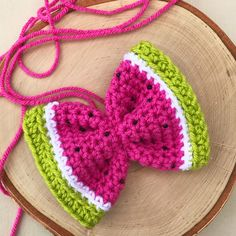 Southern Belle Watermelon Bow Pattern – Southern Belle Watermelon Bow Pattern – You are in the right place about DIY Hair Accessories feathers Here we offer you the most beautiful pictures about the D Crochet Bows Free Pattern, Crochet Bow Ties, Crochet Hair Bows, Crochet Hair Accessories, Diy Hair Bows, Easy Crochet Patterns, Crochet Hair Styles, Crochet Ideas To Sell, Crochet Penguin