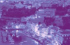 Doppia morte nel centro storico di Sorrento http://tuttacronaca.wordpress.com/2013/11/22/doppio-suicidio-a-sorrento-si-toglie-la-vita-una-coppia/