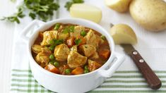 Easy Chicken Curry with Carrots and Potatoes