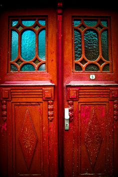 Red door, I only want one and not even to use as a door but as decor. I know Im nuts! @Ellen VanDePutte I like this door!!!!