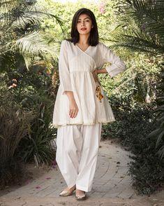New Image : Pakistani fashion casual - Pakistani dresses Pakistani Fashion Party Wear, Indian Fashion Dresses, Dress Indian Style, Pakistani Outfits, Pakistani Casual Wear, Latest Pakistani Fashion, Stylish Dresses For Girls, Stylish Dress Designs, Designs For Dresses