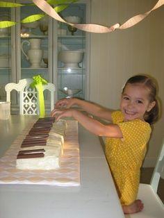 Piano Cake with Kit Kat Bar Keys ! Laken will love this !