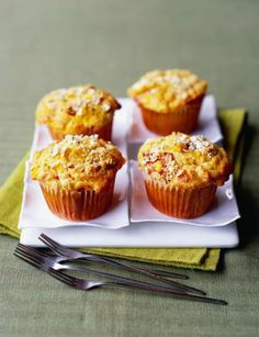 Sarah Randell's savoury chorizo, sweetcorn and tomato muffins from Sainsbury's magazine are a great breakfast or snack for everyone Savory Cupcakes, Savory Muffins, Baking Muffins, Healthy Muffins, Savoury Baking, Savoury Cake, Gluten Free Snacks, Gluten Free Baking, Muffin Recipes