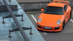 ...in front of the Airport in Stuttgart! I really like that Spoiler one the Carrera GTS, then it looks much better!