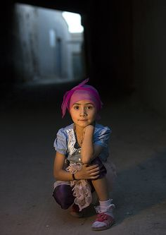 Little Uighur girl in the street, Xinjiang, China  http://itunes.com/apps/lafforgueHD