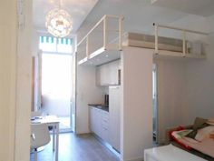Nice Centre - Proche du tramway-Studio meublé avec mezzanine - Terrasse en teck de 14 m² store en toile électrique - Rénovation de qualité -...