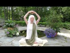 40 Day Global Sadhana: Be The Light with Ajeet Kaur. This beautiful chant starts at Kundalini Yoga, Yoga Meditation, Tai Chi Qigong, Yoga Themes, Different Types Of Yoga, Yoga Mantras, Spiritual Power, Jolie Photo, Yoga Videos