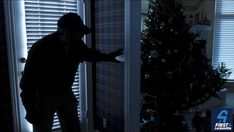 Avoid holiday break-ins this Christmas. Pin these must-read home safety tips to prevent burglary, theft, and other unwanted visitors. Home Safety Tips, Home Security Tips, Safety And Security, Home Security Systems, Security Doors, Security Solutions, Tola, Home Protection, Holiday Break