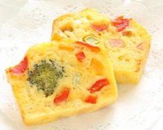 Cake léger au chèvre et tomates séchées : Savoureuse et équilibrée | Fourchette & Bikini