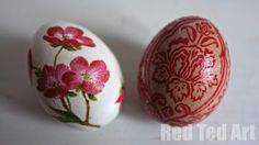 Egg Decorating Ideas - napkin Easter eggs. A clever and surprisingly easy craft with pretty results!