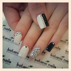 Hey there lovers of nail art! In this post we are going to share with you some Magnificent Nail Art Designs that are going to catch your eye and that you will want to copy for sure. Nail art is gaining more… Read Simple Nail Art Designs, Best Nail Art Designs, Botanic Nails, Black And White Nail Art, Nails Only, Dot Nail Art, Trendy Nail Art, Crazy Nails, Hot Nails