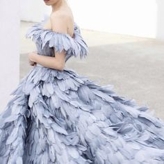 Feathers dream Mihano Momosa is part of Feather dress - Evening Dresses, Prom Dresses, Formal Dresses, Wedding Dresses, Feather Dress, Blue Feather, Fantasy Dress, Looks Cool, Beautiful Gowns