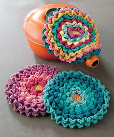 Blooming Pot Holders by Maryse Roudier
