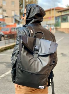 Dunut on the street. Always ready for a shooting Geneva Switzerland, Bradley Mountain, Backpacks, Seasons, Street, Winter, Fashion, Photography Equipment, Blue Prints