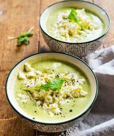 Kesäkurpitsoista ja perunoista pyöräytetty kasvissosekeitto saa täyteläisen kootumuksensa ranskankermasta, veikeän vivahteen timjamista ja curryjauheesta.