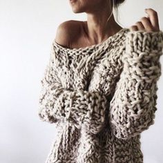 chunky knit sweater 9 perfect and toasty looks for sweater weather; girl wearing oversized knit LGGXQZL - Crochet and Knitting Patterns 2019 Fall Winter Outfits, Autumn Winter Fashion, Winter Style, Looks Style, Style Me, Moda Casual, Casual Chic, Mode Outfits, Mode Inspiration