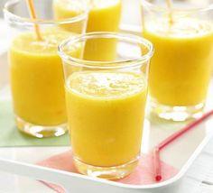 Slimming shakes: detox shakes to lose weight! Fruit Smoothies, Smoothies Vegan, Mango Pineapple Smoothie, Smoothie Recipes With Yogurt, Smoothie Recipes For Kids, Protein Smoothie Recipes, Breakfast Smoothie Recipes, Coconut Smoothie, Strawberry Smoothie