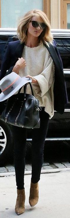 Who made  Rosie Huntington-Whiteley's gray hat, blazer, sweater, skinny jeans, black chain handbag, and tan suede ankle boots?