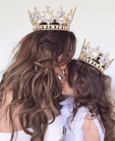 Read Mãe e filha 💐😍⚘ from the story Fotos by with 760 reads. Mother Daughter Pictures, Mother Daughter Fashion, Mom Daughter, Mother Daughters, Mother Mother, Daughter Quotes, Baby Sister, Brother Sister, Mommy And Me Photo Shoot